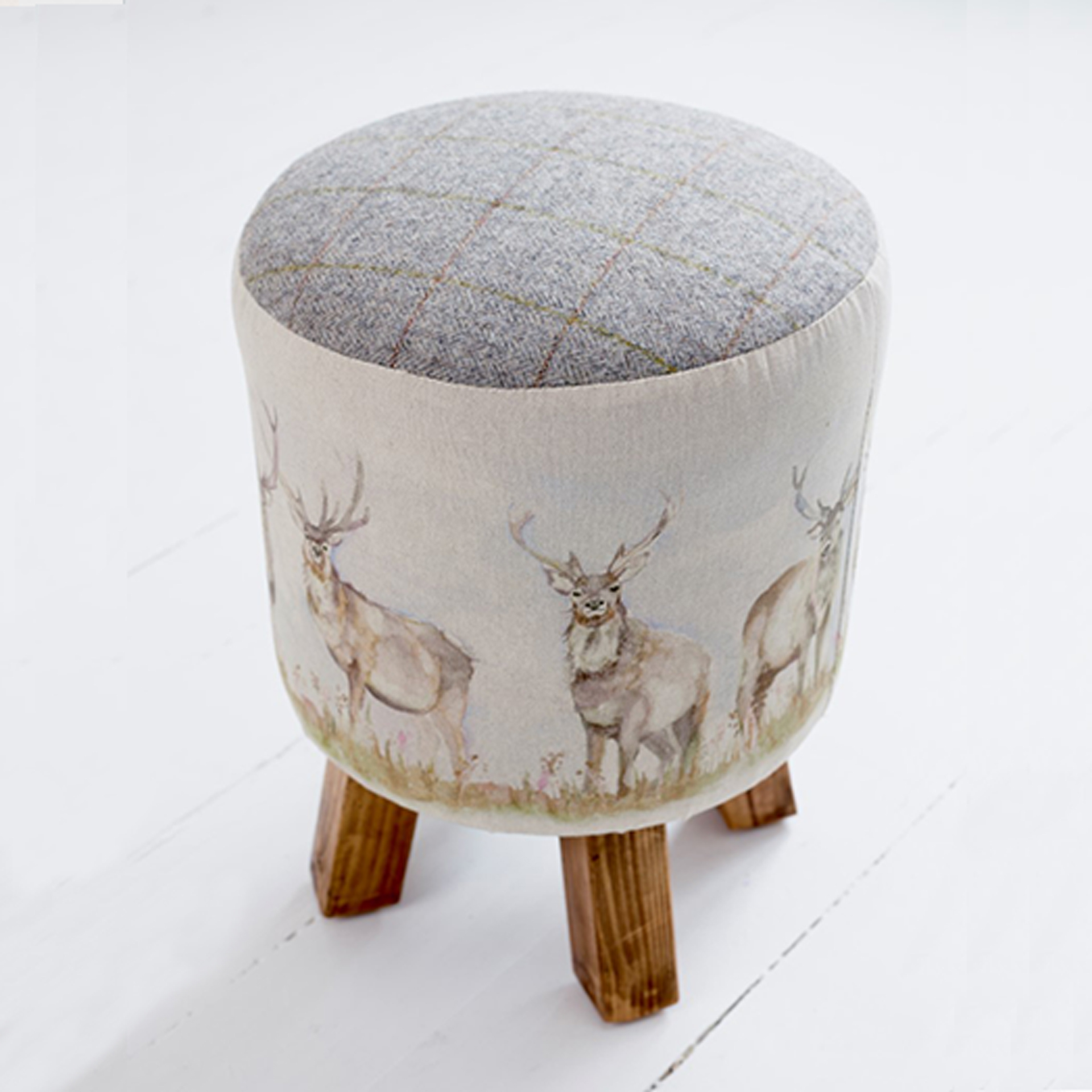 Moorland Stag Linen Stool 25x45cm