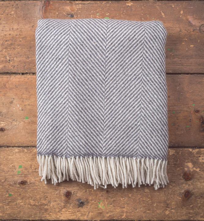 Herringbone Charcoal Lambswool Throw 140x180cm